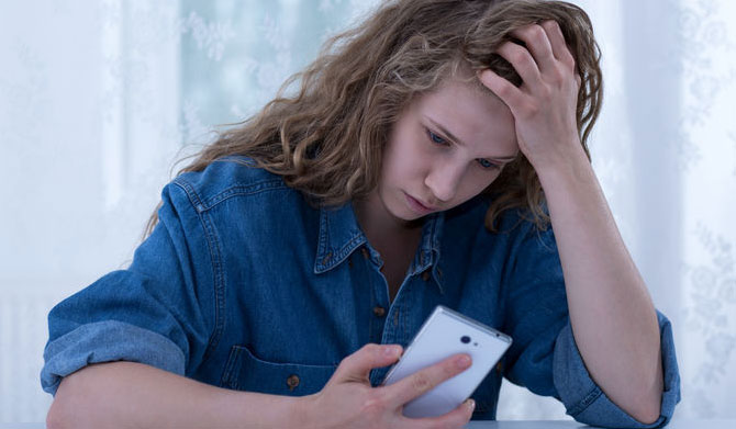 Tips for handling cyberbullying